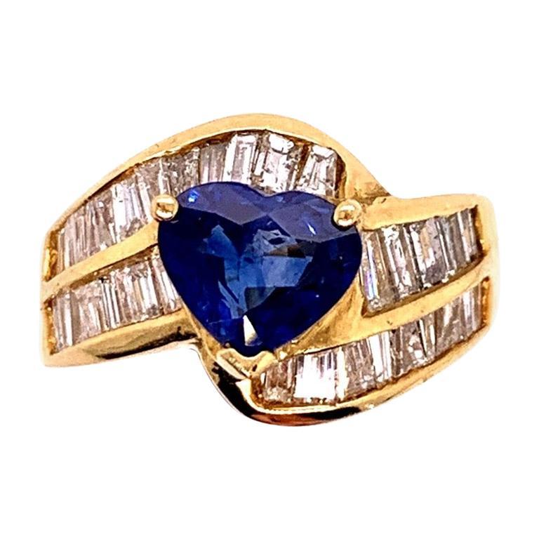 Retro Gold Cocktail 4.50 Carat Ring Natural Heart Sapphire & Diamond, circa 1980