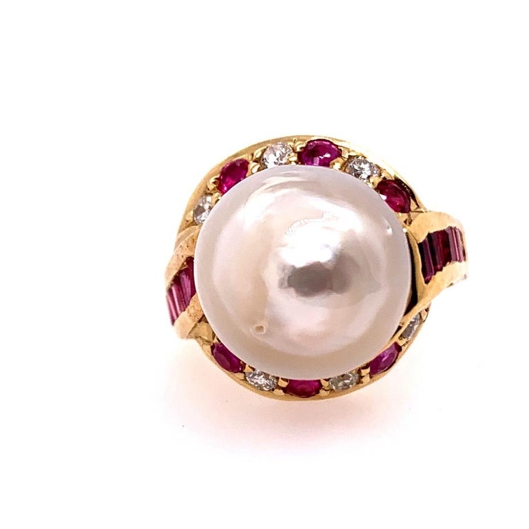 Retro Gold Cocktail Ring 1.4 Carat Natural Ruby, Diamond and Pearl, circa 1950 In Good Condition For Sale In Los Angeles, CA