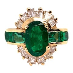 Retro Gold Cocktail Ring 3.1 Carat Natural Emerald Gemstone & Diamond circa 1950