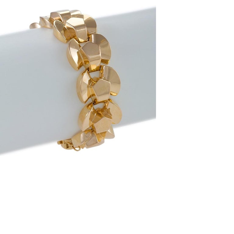 A Retro 18 karat yellow gold link bracelet. Circa 1940's.