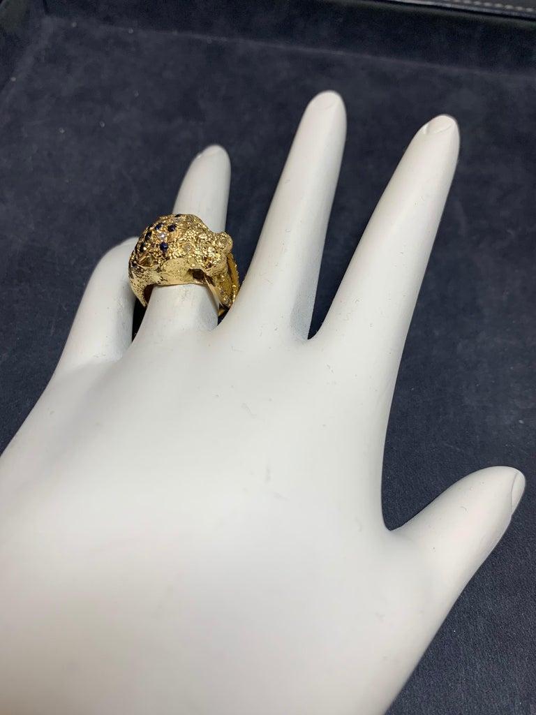 Women's Retro Gold Lion Ring APX .50 Carat Natural Diamond Sapphire Gem Stone circa 1960 For Sale