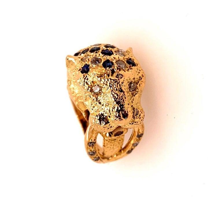 Retro Gold Lion Ring APX .50 Carat Natural Diamond Sapphire Gem Stone circa 1960 For Sale 2