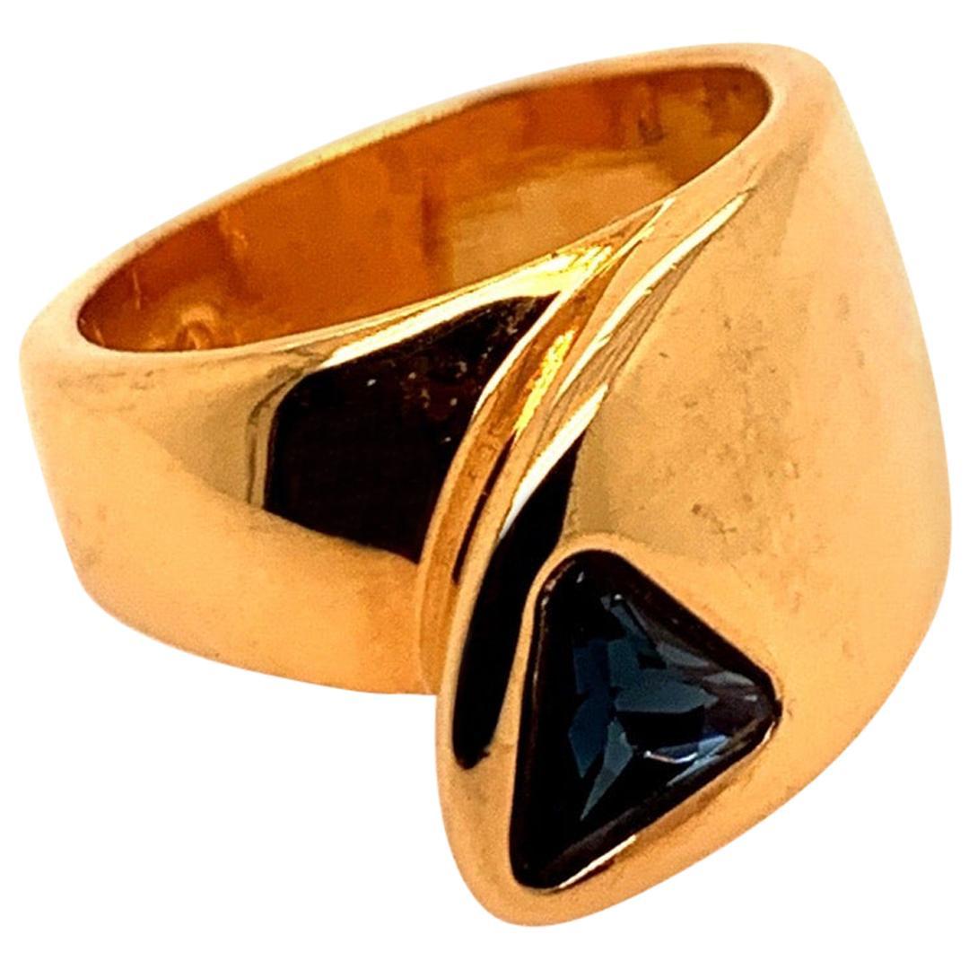 Retro Gold Ring 1 Carat Natural Deep Blue Sapphire Trillion Gem Stone circa 1960