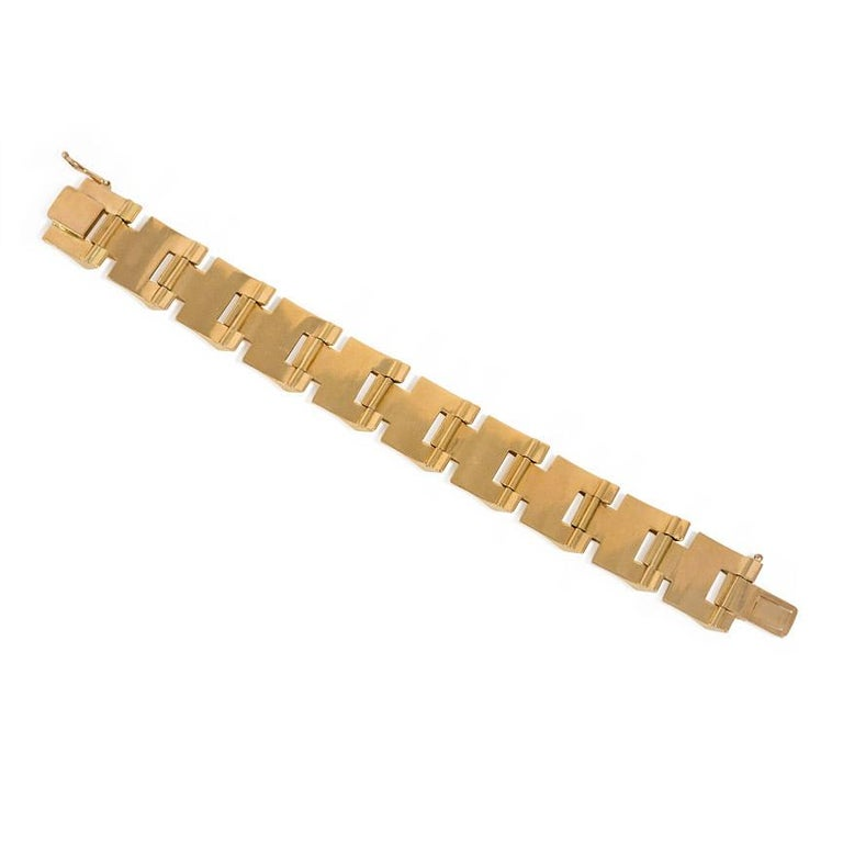 Retro Gold Tank Bracelet of Geometric Sloping Links, French Export In Good Condition In New York, NY