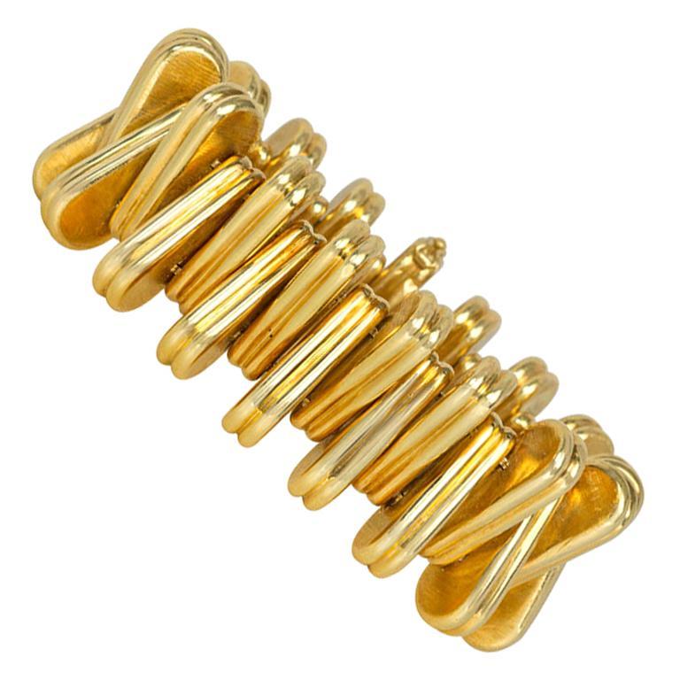 Retro Italian Gold Stylized Zipper Form Bracelet of Wedge-Shaped Links