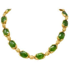 Retro Jade 14 Karat Yellow Gold Foliate Collar Necklace