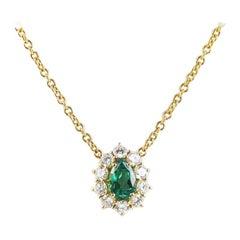 Retro Look Classic 1990s Emerald 18 Karat Gold Necklace with Diamonds