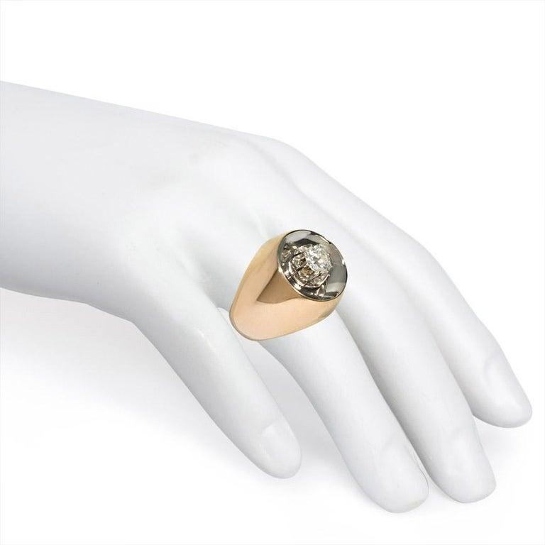Retro Modernist Gold and Diamond Ring of Concave Reflective Design In Good Condition For Sale In New York, NY