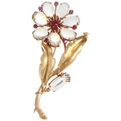 Retro Moonstone Ruby 14 Karat Yellow Rose Gold Flower Brooch
