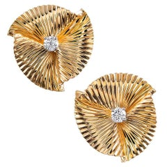 Retro Pleated Diamond Earrings