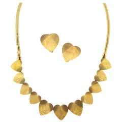 Retro Raymond Yard 14 Karat Yellow Gold Fluted Heart Necklace and Earrings