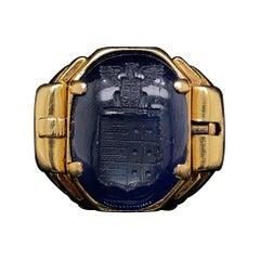Retro Reversible Sapphire Signet Ring 18 Karat Yellow Gold, Circa 1940