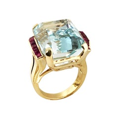 Retro Rose Gold Aquamarine and Ruby Ring, 1940s