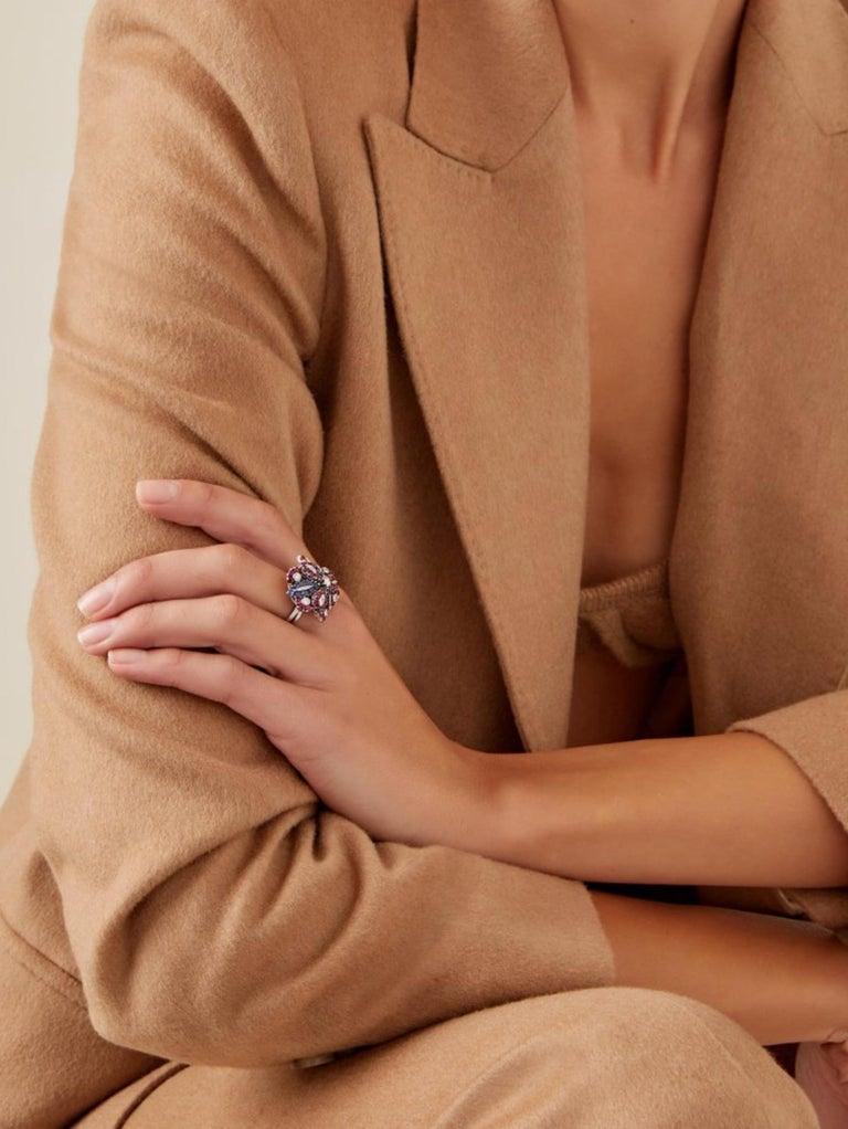 Brilliant Cut Retro Ruby, Sapphire, Diamond Flower Ring For Sale