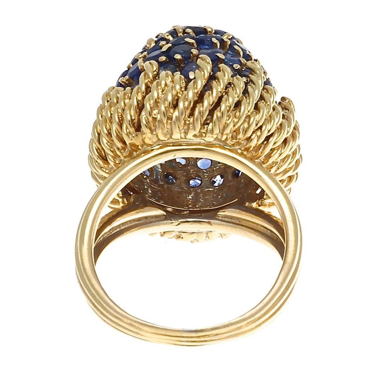Round Cut Retro Sapphire Gold Ring For Sale