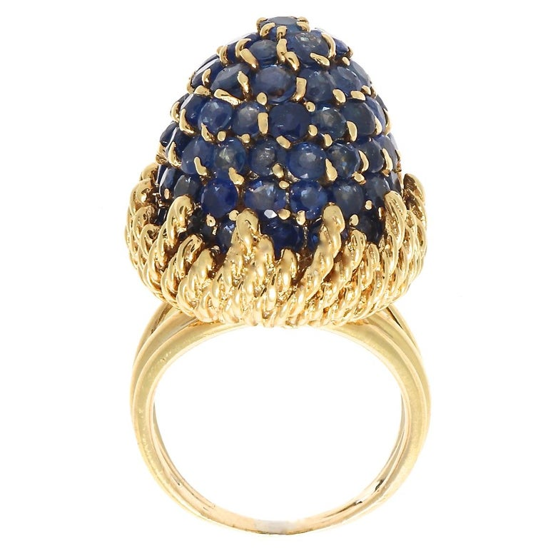 Retro Sapphire Gold Ring In Excellent Condition For Sale In Beverly Hills, CA