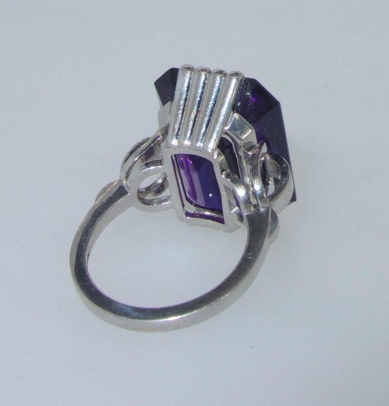 Retro Style Amethyst Platinum Ring, circa 1950 For Sale 4