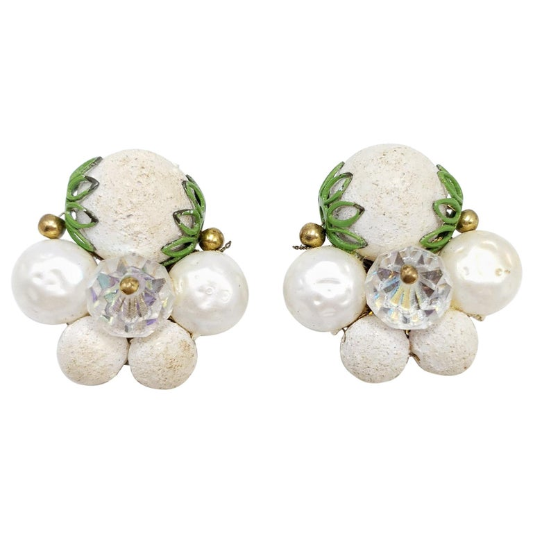 Retro Textured Bead Cluster Clip on Fashion Earrings, Brass, Mid 1900s For Sale