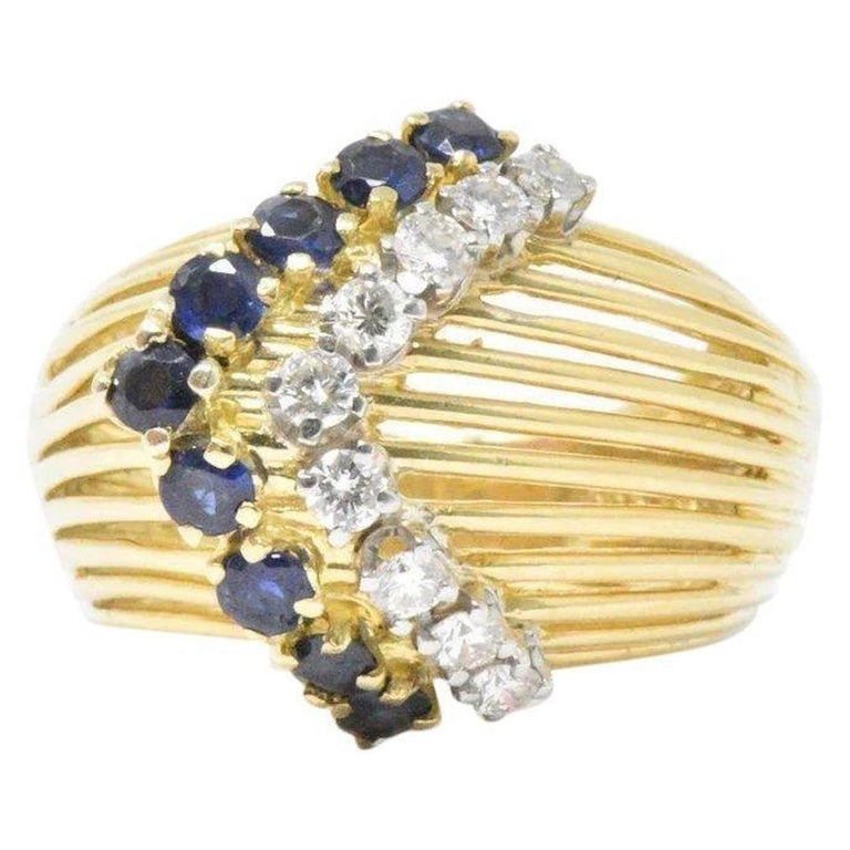 23301656c Retro Tiffany & Co. 0.35 Carat Diamond Sapphire and 18 Karat Gold Ring For  Sale