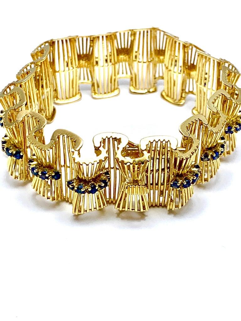 Women's or Men's Retro Tiffany & Co. Round Sapphire and 18 Karat Gold Ribbon Bracelet For Sale
