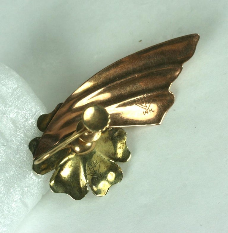 Retro Two Toned 14k Wing Earrings In Excellent Condition For Sale In Riverdale, NY
