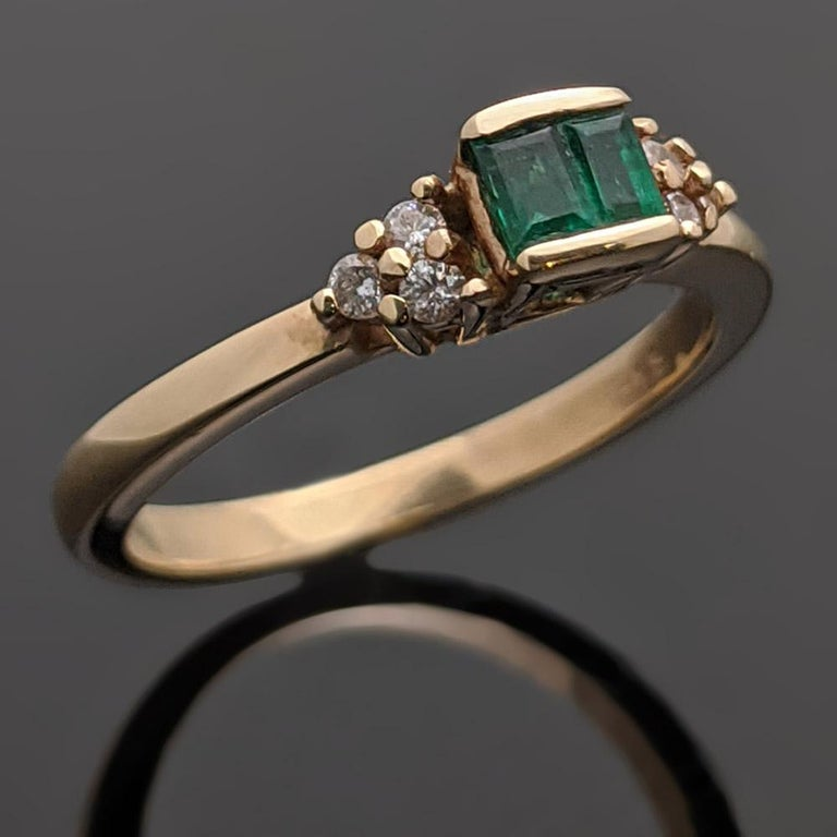 Baguette Cut Retro Vintage 14 Karat Yellow Gold Emerald and Diamond Ring For Sale