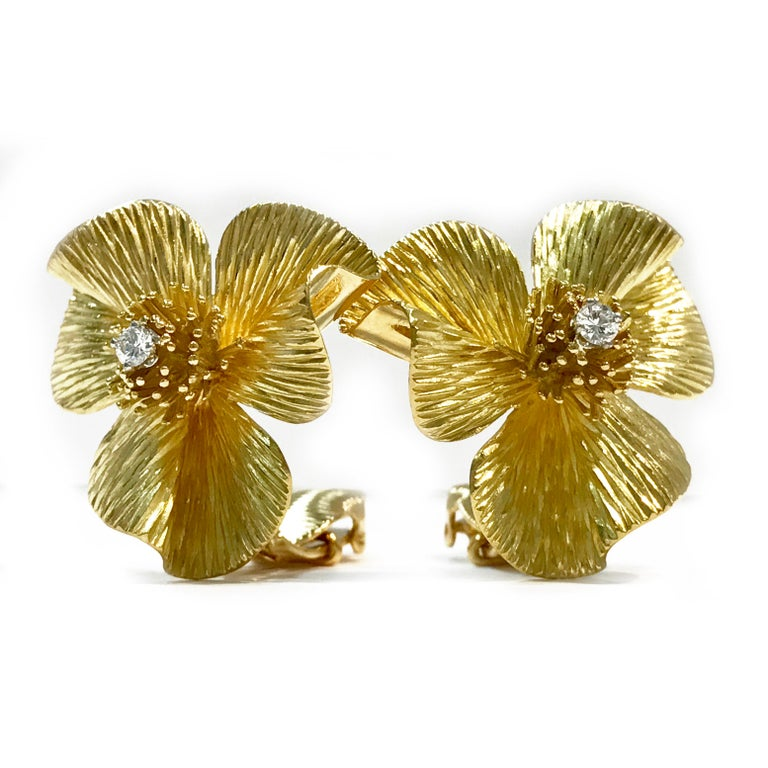 Round Cut Retro/Vintage Gold Flower Diamond Earrings, circa 1950s For Sale