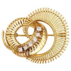 Retro Whirlwind Diamonds 18 Carat Yellow Gold Brooch Pin
