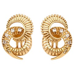 Retro Whirlwind Diamonds 18 Karat Yellow Gold Clips Earrings