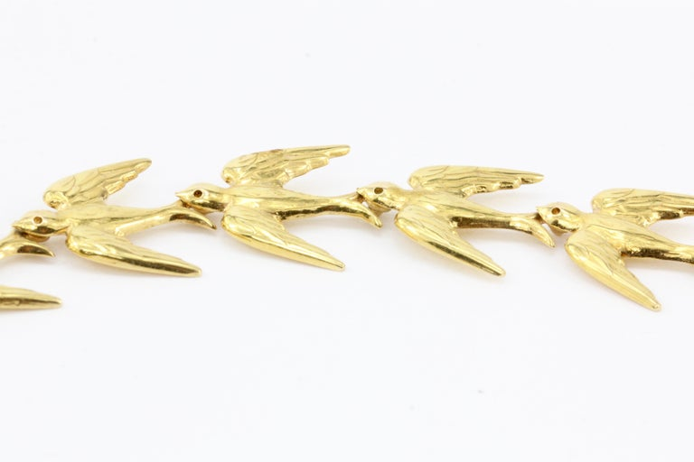 Retro Yellow Gold Swallow Chain Necklace, circa 1950s For Sale 3