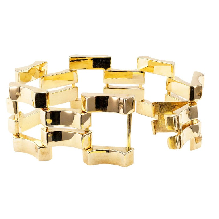 Retro Yellow Gold Wide Link Bracelet In Good Condition For Sale In Los Angeles, CA