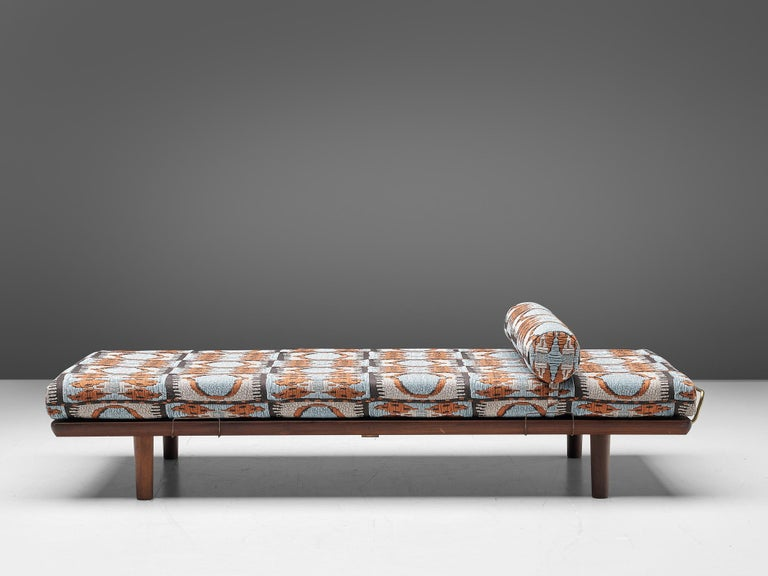 Hans J. Wegner for GETAMA, daybed GE19, oak and fabric, Denmark, 1950s.  Scandinavian Modern daybed GE19 in oak, designed by Hans J. Wegner for Getamain the 1950s.Solid Oak is used for the legs and the frame. The brass support bars on both sides