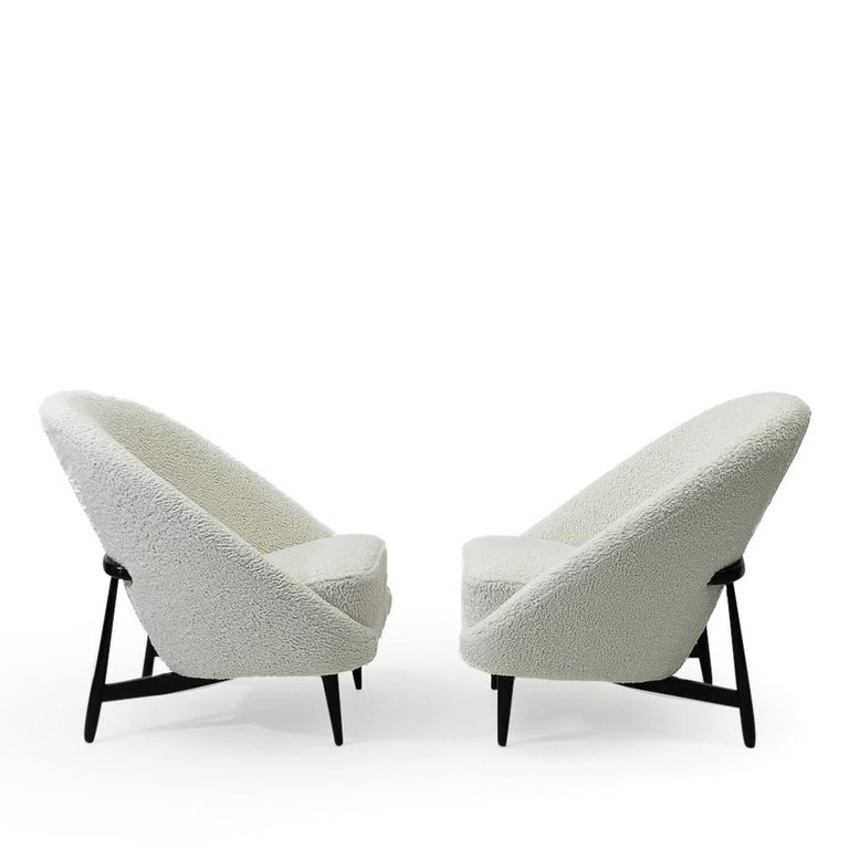 """Reupholstered in Bouclé Theo Ruth """"115"""" Lounge Chairs for Artifort, 1950s In Good Condition In Renens, CH"""