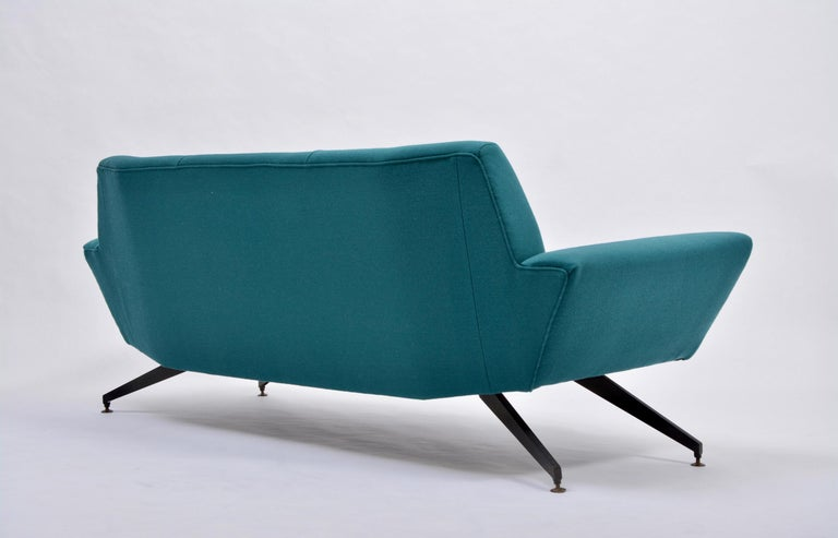 Reupholstered Italian Mid-Century Modern Sofa with Metal Base by Lenzi For Sale 5