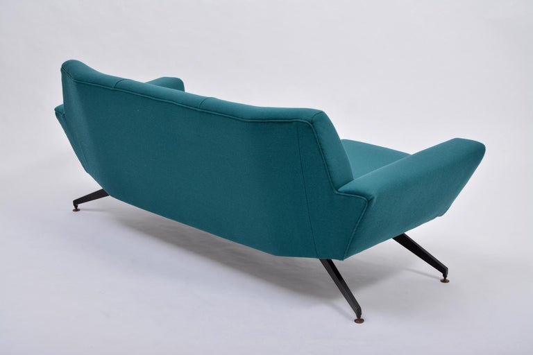 Reupholstered Italian Mid-Century Modern Sofa with Metal Base by Lenzi For Sale 6