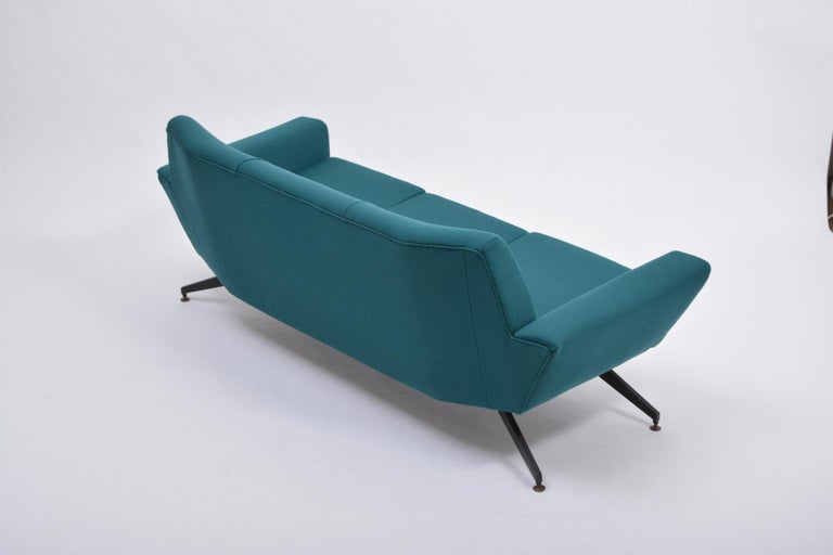 Reupholstered Italian Mid-Century Modern Sofa with Metal Base by Lenzi For Sale 7