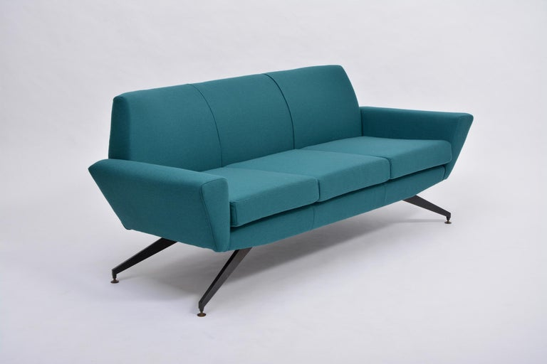 Lacquered Reupholstered Italian Mid-Century Modern Sofa with Metal Base by Lenzi For Sale