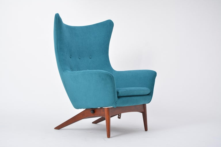 Reupholstered Model 207 Reclining Lounge Chair Designed by H.W. Klein 3