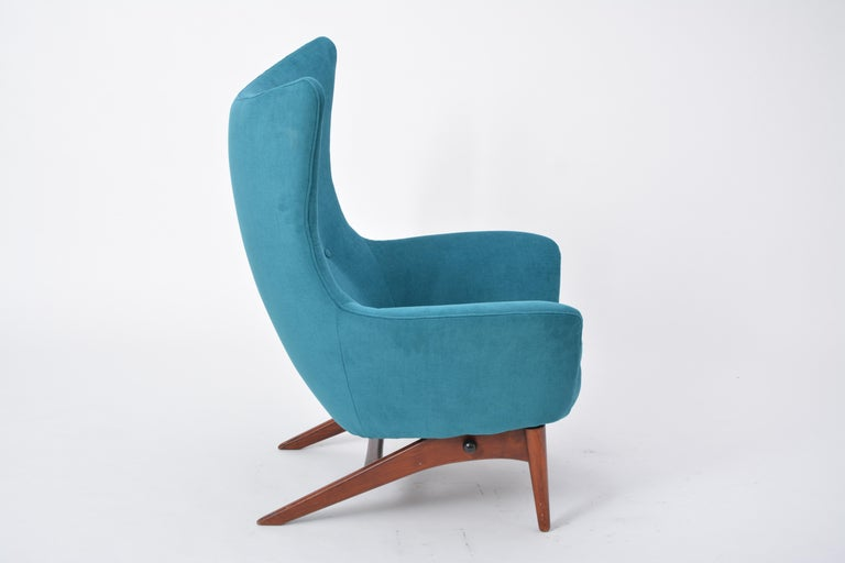 Reupholstered Model 207 Reclining Lounge Chair Designed by H.W. Klein 4