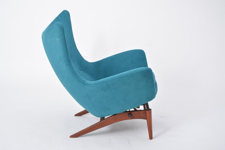 Reupholstered Model 207 Reclining Lounge Chair Designed by H.W. Klein 5