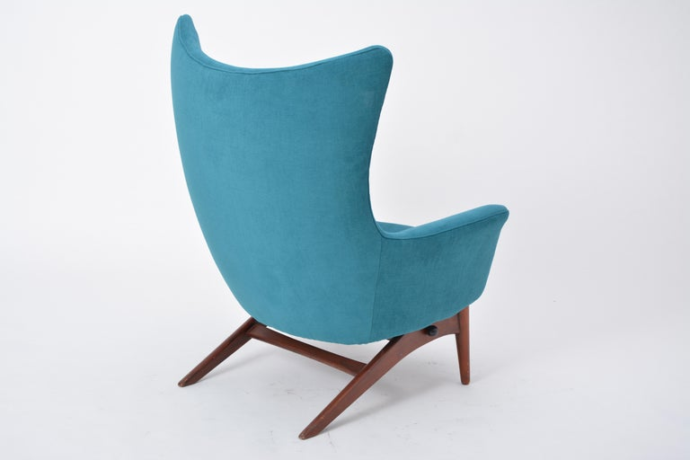Reupholstered Model 207 Reclining Lounge Chair Designed by H.W. Klein 7
