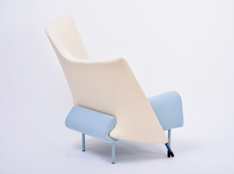 Reupholstered Torso Lounge Chair Designed by Paolo Deganello for Cassina, 1980s In Good Condition For Sale In Berlin, DE