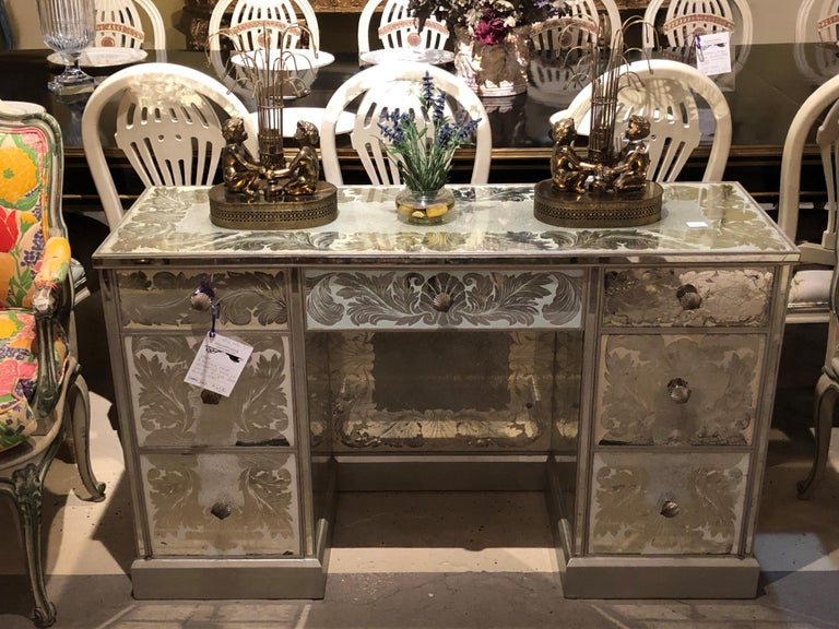 Reverse Paint Decorated Hollywood Regency Desk or Vanity Vintage Deco Style In Good Condition For Sale In Stamford, CT