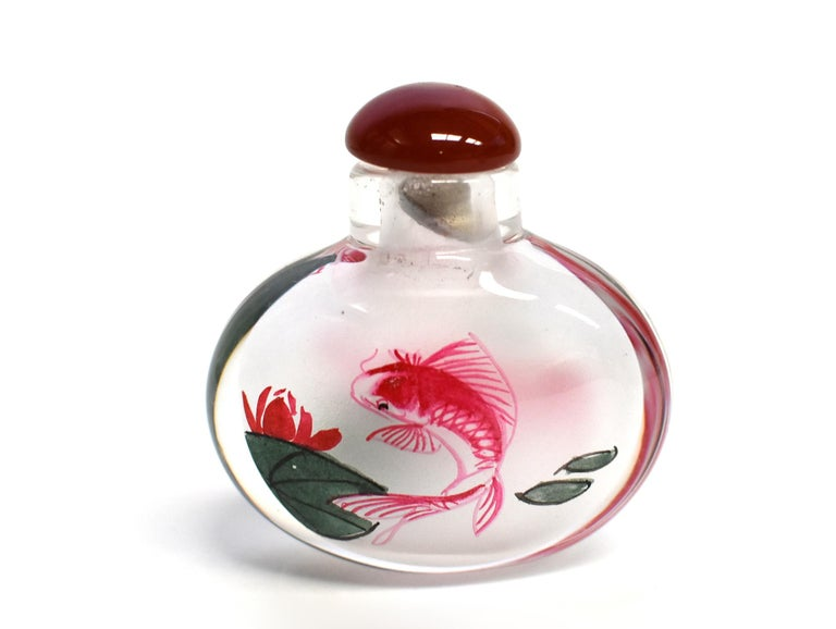 Reverse Painted Snuff Bottles with Fish For Sale 1