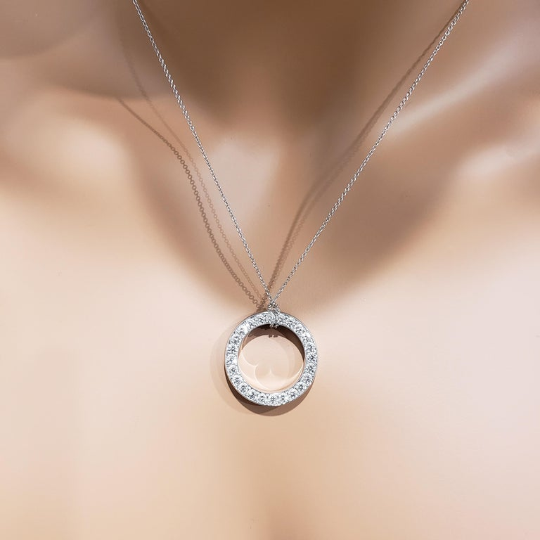 Reversible Blue Sapphire and Diamond Circle Pendant Necklace For Sale 2