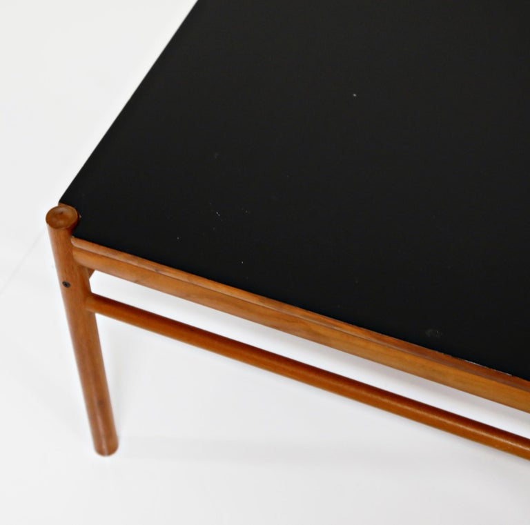 Reversible Teak & Formica Coffee Tables by Ole Wanscher for Poul Jeppesen For Sale 4