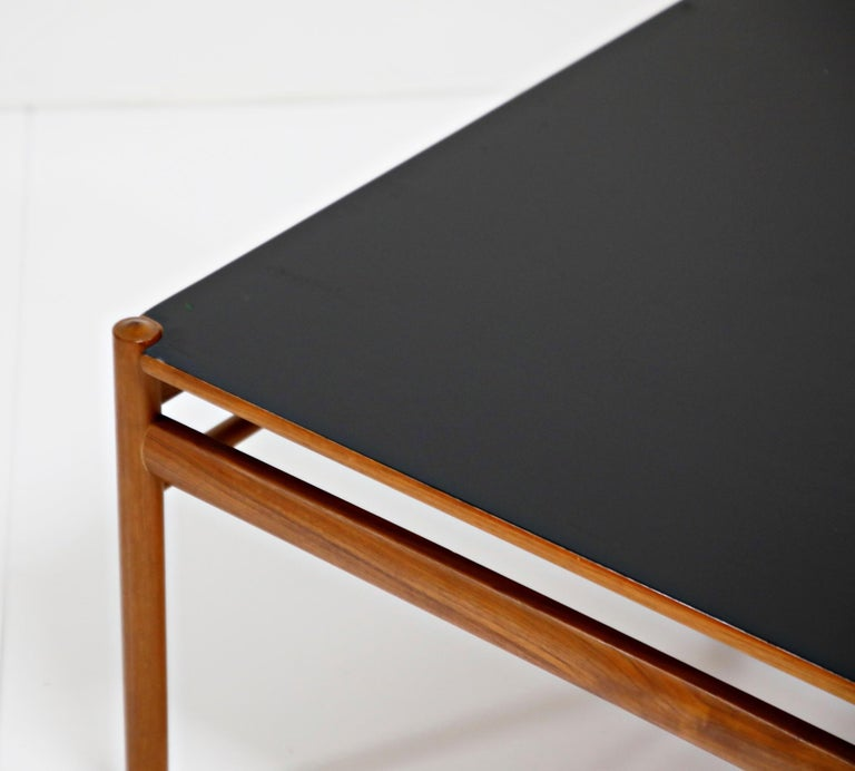 Reversible Teak & Formica Coffee Tables by Ole Wanscher for Poul Jeppesen For Sale 5