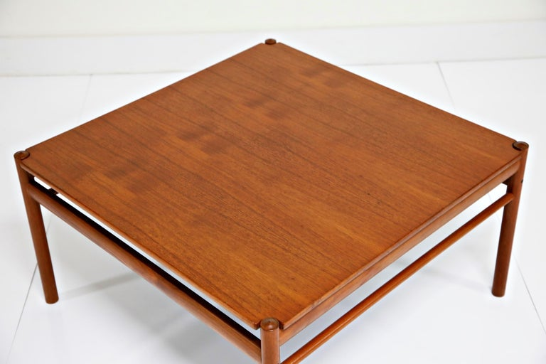 Reversible Teak & Formica Coffee Tables by Ole Wanscher for Poul Jeppesen For Sale 7