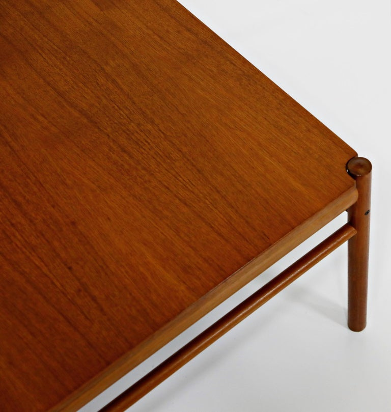 Reversible Teak & Formica Coffee Tables by Ole Wanscher for Poul Jeppesen For Sale 10