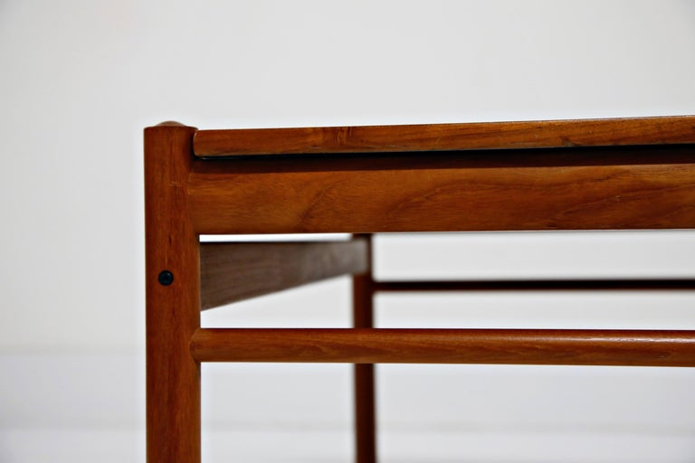 Reversible Teak & Formica Coffee Tables by Ole Wanscher for Poul Jeppesen For Sale 11